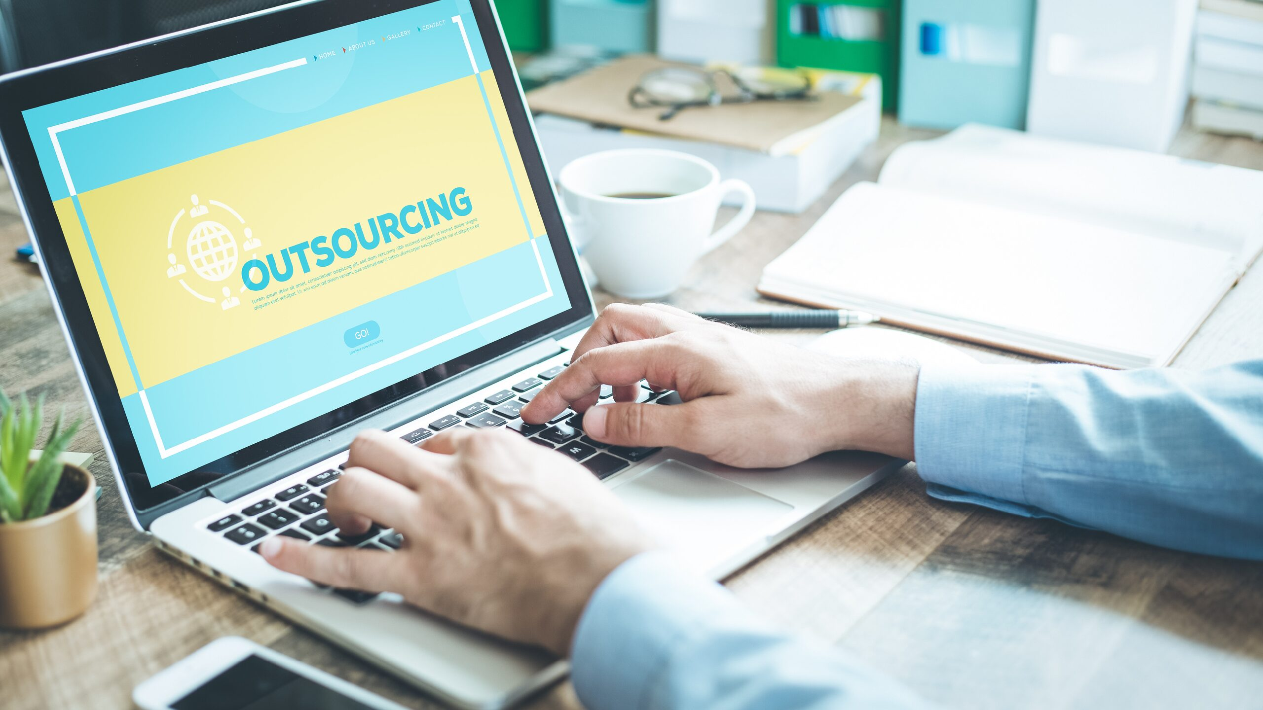 5 Reasons Why Outsourcing Your Social Media Makes Sense